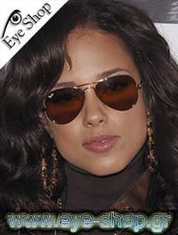 Alicia Keysμε τα γυαλιά ηλίου RayBan3025 aviator