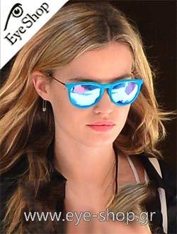 Georgia May Jaggerμε τα γυαλιά ηλίου RaybanErika 4171