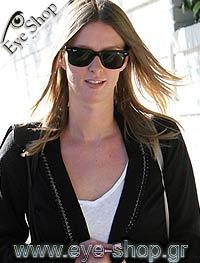 Nicky Hiltonμε τα γυαλιά ηλίου RayBan2140 Wayfarer
