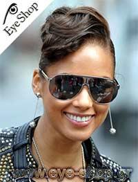 Alicia Keysμε τα γυαλιά ηλίου CarreraPanamerica 1