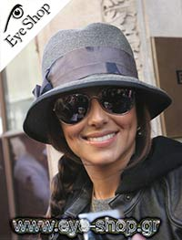Cheryl Coleμε τα γυαλιά ηλίου RayBan3025 Aviator