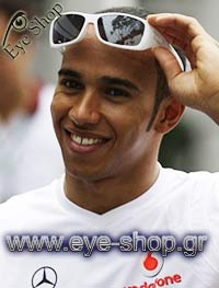 Lewis Hamiltonμε τα γυαλιά ηλίου OakleyHijinx