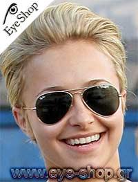 Hayden Panettiereμε τα γυαλιά ηλίου RayBan3025 aviator