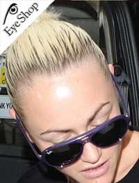 Jamie Winstoneμε τα γυαλιά ηλίου RayBan4125 cats 5000