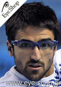 Janko Tipsarevicμε τα γυαλιά ηλίου OakleyFast Jacket