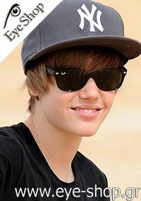 Justin Bieberμε τα γυαλιά ηλίου Rayban2132 New Wayfarer