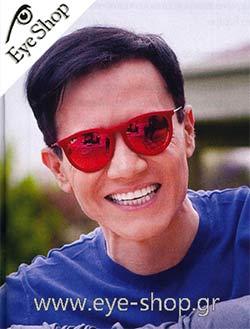 Περικλής Καναράκηςμε τα γυαλιά ηλίου Raybanerika 4171
