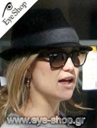 Kate Hudsonμε τα γυαλιά ηλίου RayBan2140 Wayfarer