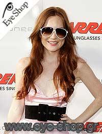 Kate Osheaμε τα γυαλιά ηλίου CarreraChampion