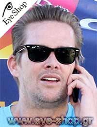 Mark Mcgrathμε τα γυαλιά ηλίου Rayban2140 Wayfarer