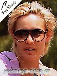 Η Ελεωνόρα Μελέτη φοράει τα γυαλιά ηλίου CarreraμοντέλοCHAMPIONστοχρώμαDL5-H9