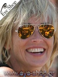 Sharon Stoneμε τα γυαλιά ηλίου RayBan3025 aviator
