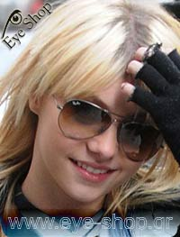 Taylor Momsen wearing Ray Ban aviator 3025 Sunglasses model 3025 Aviator color 001/33