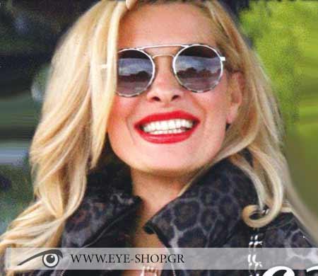 Η Ελένη Μενεγάκη με Prada round sunglasses