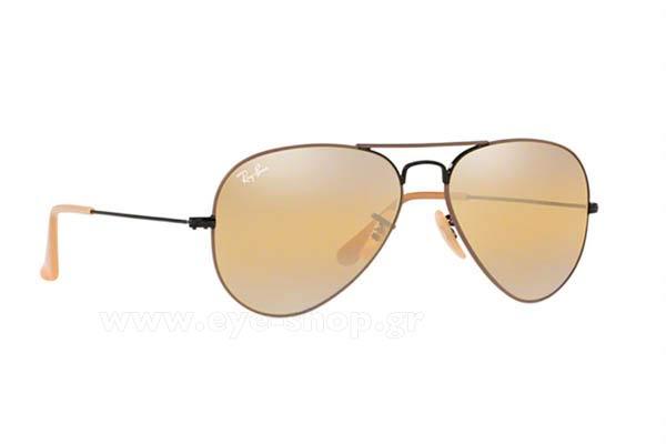 Kristin Cavallar φορώντας τα γυαλιά ηλίου RayBan 3025 aviator cc4bdfc9083