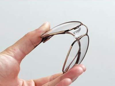 54324297e7 Αντοχή των ανδρικών γυαλιών οράσεως